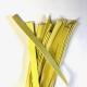 stroken geel leer